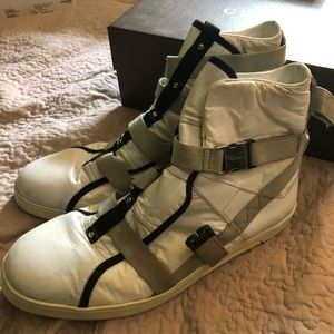 Gucci runway strap sneakers